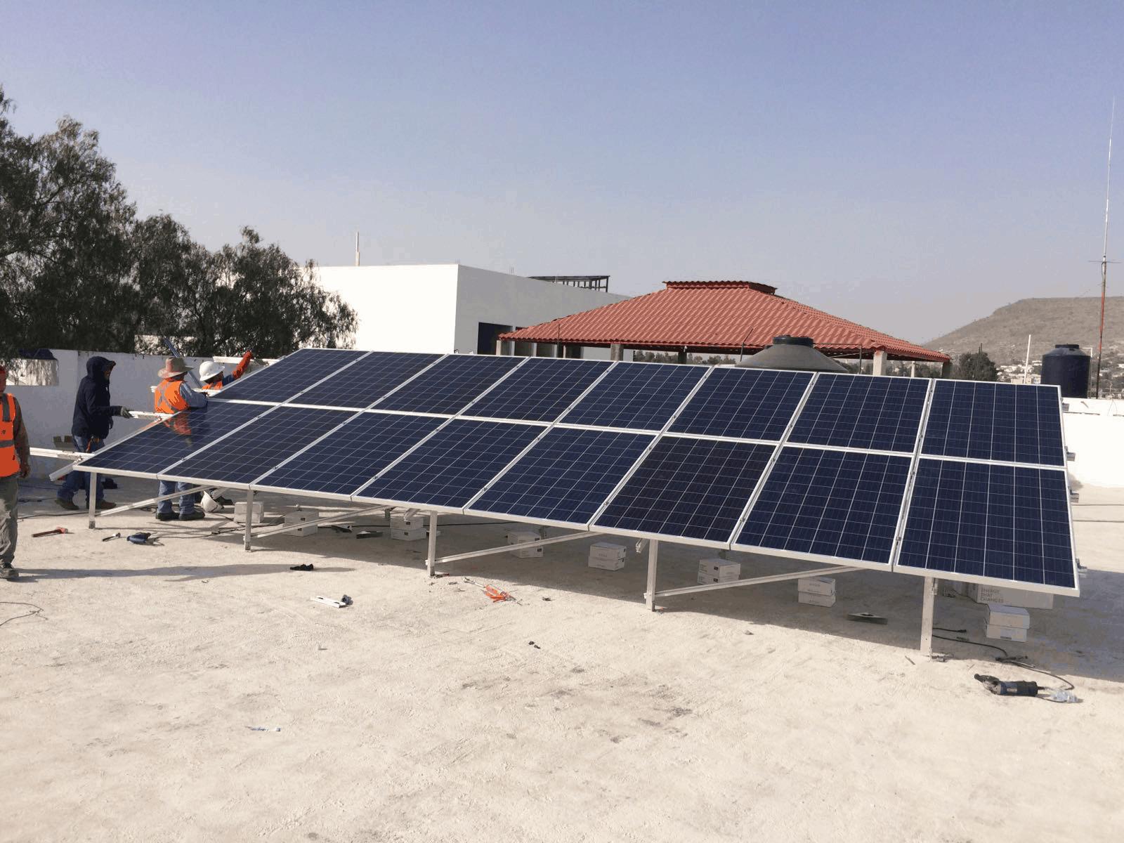 Comprar o rentar paneles solares